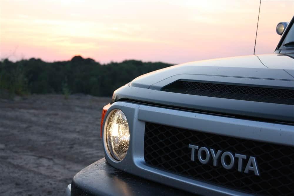 2012 Toyota FJ Cruiser Passenger Headlight