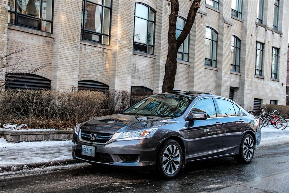 2014 Honda Accord Hybrid front 1/4