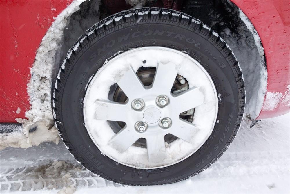 2014 Mitsubishi Mirage wheel/tire