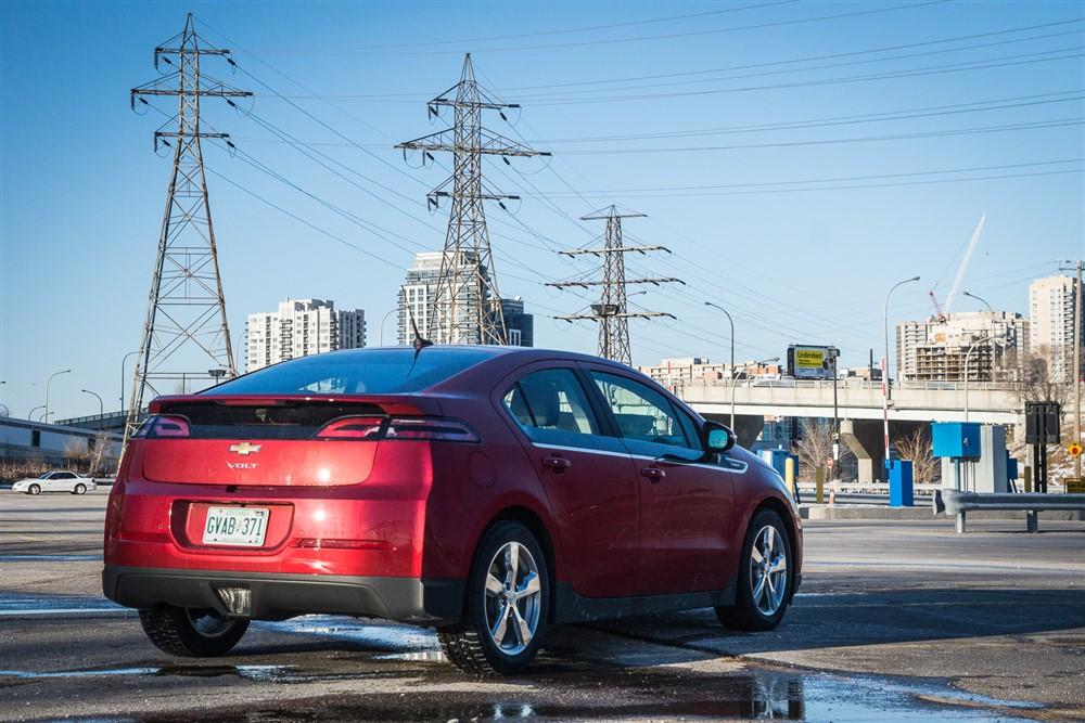 2014 Chevrolet Volt rear 1/4