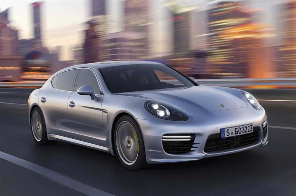 Next Generation Porsche Panamera to get new V6, V8