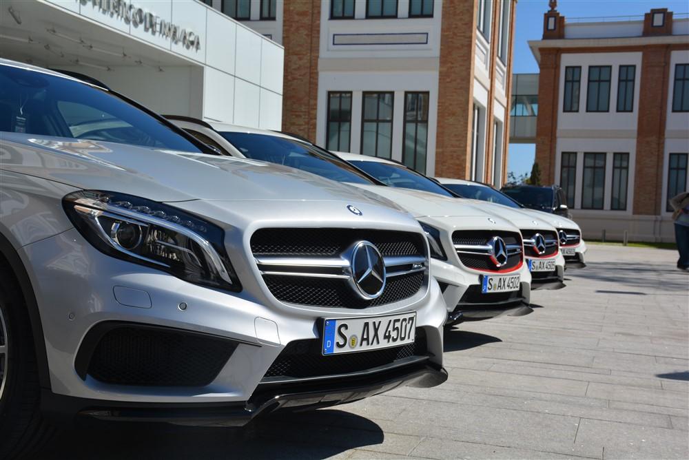 2014 Mercedes-Benz GLA250 4Matic group shot
