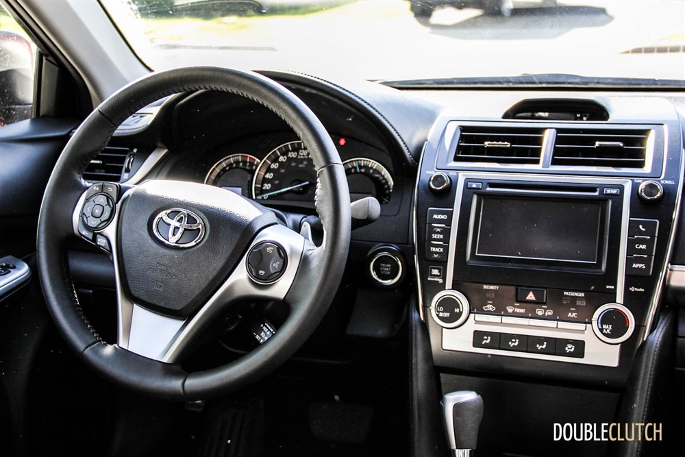2014 Toyota Camry SE V6 Interior