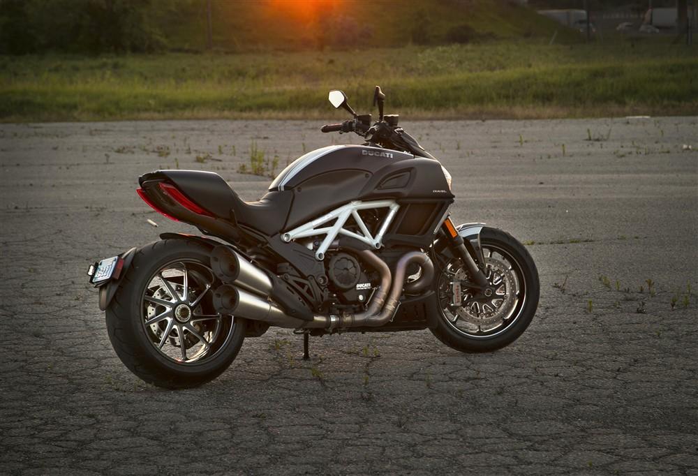 2015 Ducati Diavel Carbon