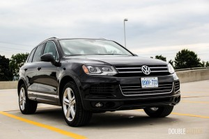 2014 Volkswagen Touareg TDI front 1/4