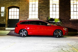 2015 Volvo V60 T6 R-Design side profile 2