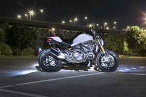 2015 Ducati Monster 1200 S side profile