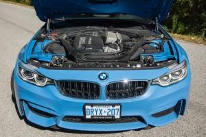 2015 BMW M3 engine bay