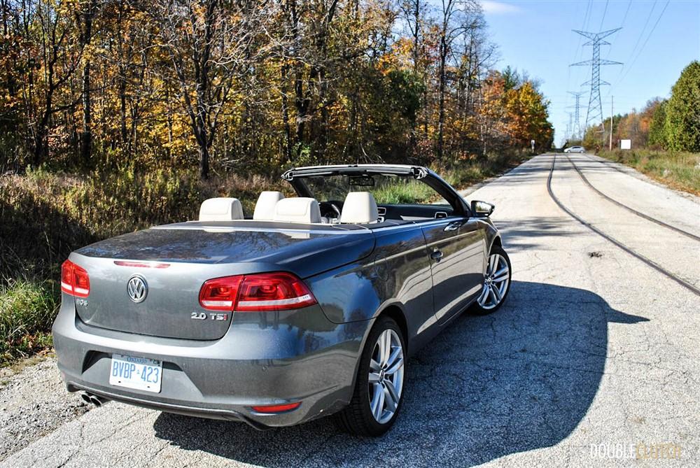 2014 Volkswagen Eos Highline rear 1/4