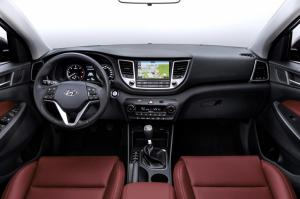 2016 Hyundai Tuscon interior