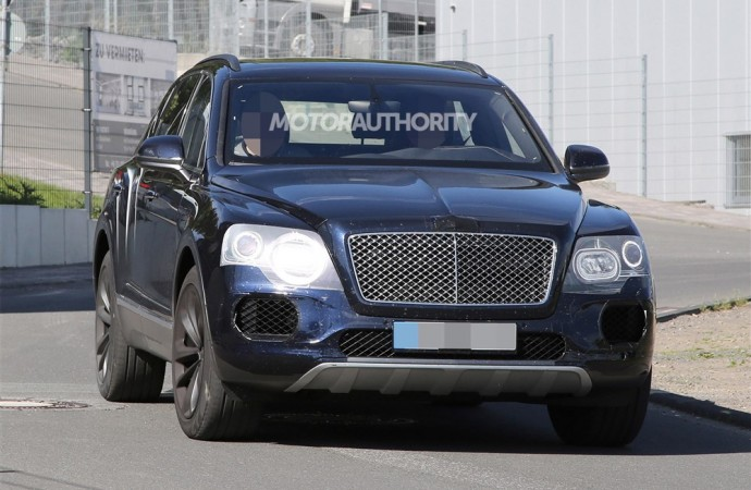 Spy Shots: 2017 Bentley Bentayga