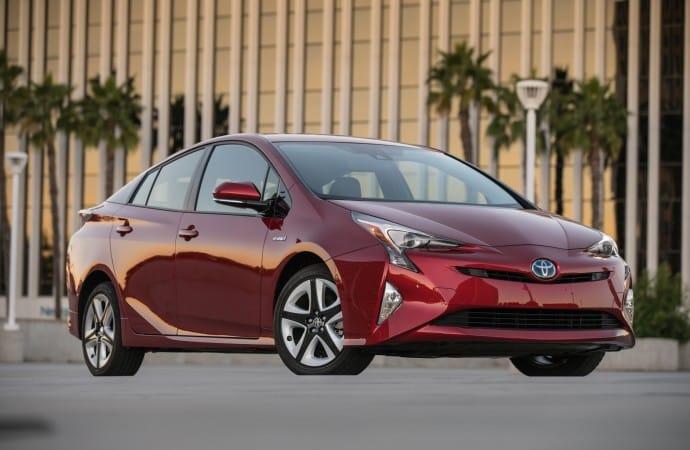 2016_Toyota_Prius_Four_Touring_06_692D366294E293C0EAA178924FBF956C08CC0FC1