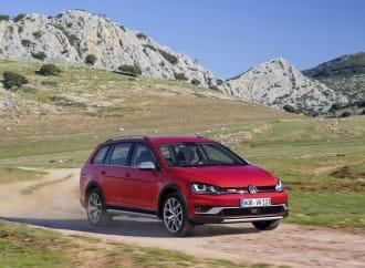 2017 VW Golf SportWagen Alltrack debuts in Montreal