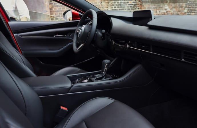 13_Mazda3_5HB_INT_1-1024x683